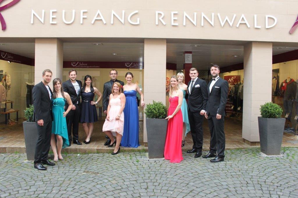 Von links im Bild: Mathias, Caro, Dennis, Nadine, Dominik, Sabrina, Fabienne, Isabell, Michaela, Nils & Daniel